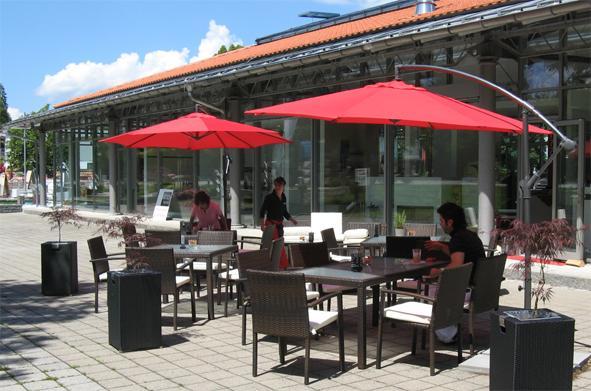 Cafe Lounge im Atrion Tegernsee Straßenseite